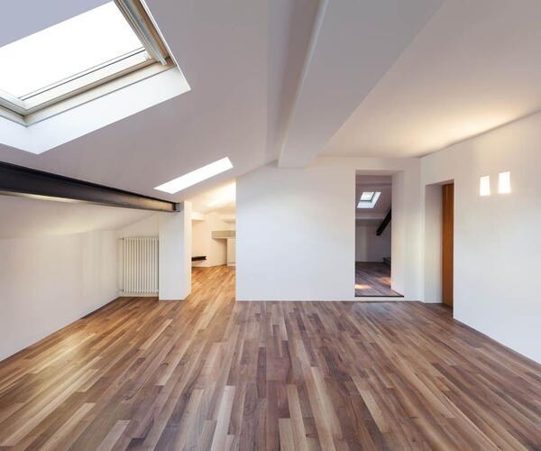 Wohnzimmer mit Bodenbelag